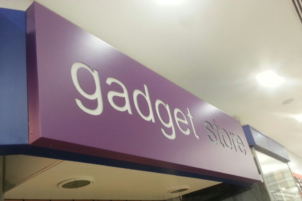 signs-glasgow-light-boxes-glasgow-gadget-store
